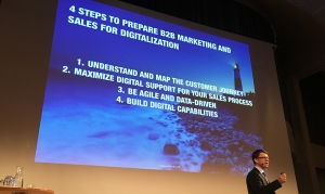 Prepare B2B marketing and sales for digitalization